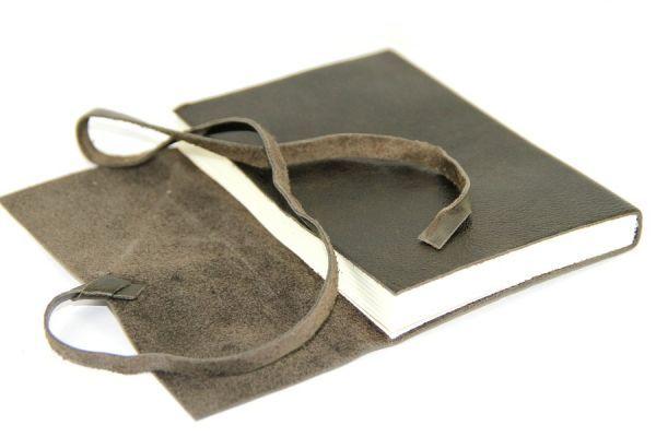 1000 images about cuir on pinterest. Black Bedroom Furniture Sets. Home Design Ideas