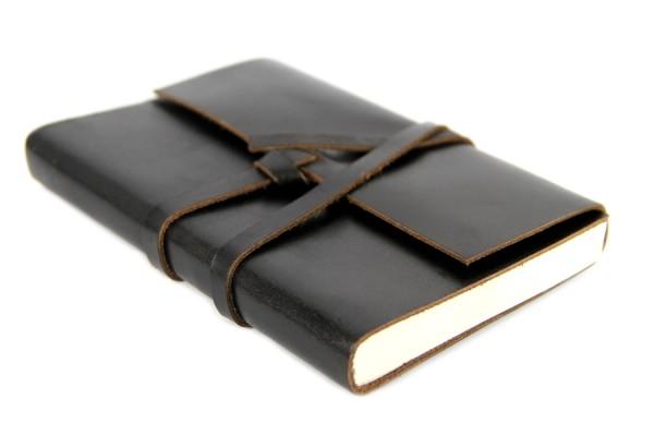 Carnet de voyage en cuir noir